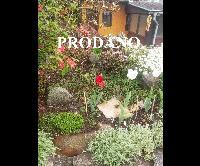 Prodej zahradní zděné chatky s pergolou, krbem, velký skleník, vlastní pozemek 165 m2, Králův Dvůr